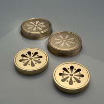 Gold Vented Daisy Lid 63 mm/Smelly Jelly Jar Lid with disc liner